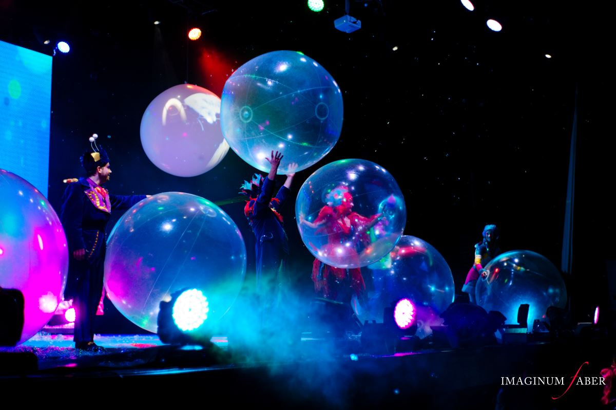 B The Underwater Bubble Show photo
